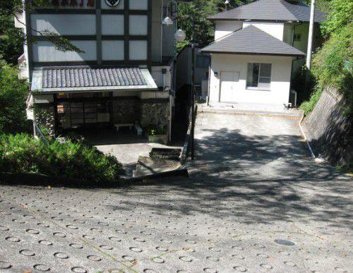 赤城温泉ホテルの坂道