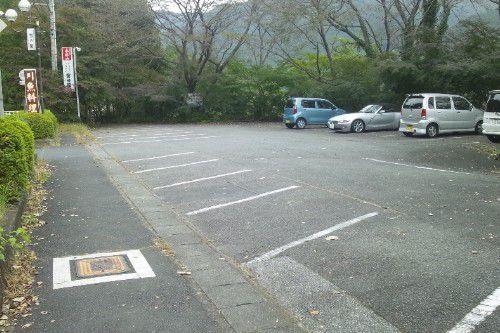 雪の屋の駐車場