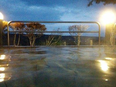 露天風呂から夕方の景色