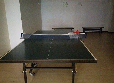 プレイルーム内の卓球