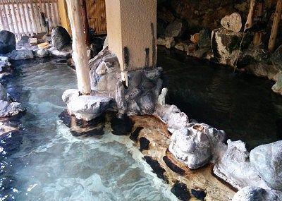 赤城の湯(混浴露天風呂)の二つの湯船