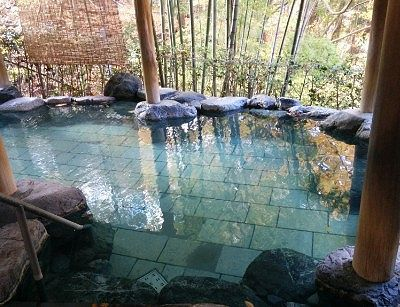 岩風呂の様子
