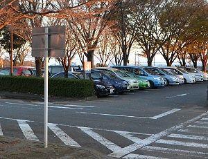夕方の駐車場の様子2