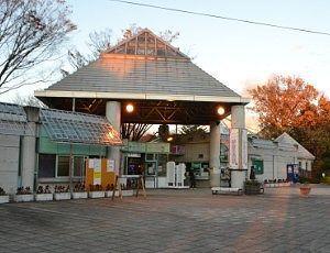 チケット売り場の建物
