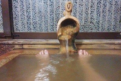 貸切風呂仁に入浴してる様子