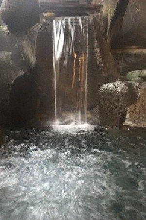 貸切風呂花筐の滝湯とジャグジー