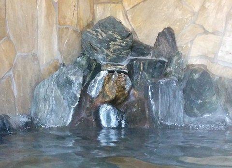 露天風呂の源泉の注ぎ口