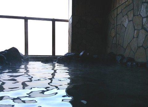 露天風呂に入浴して見える部分