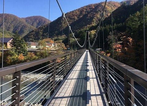 長い大つり橋