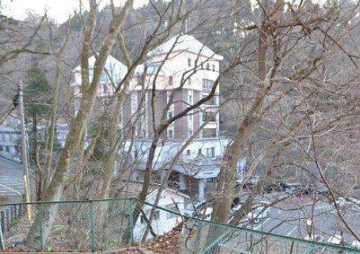 山側から見た大江戸温泉物語伊香保の外観