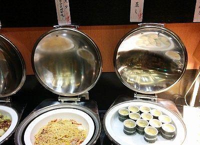 竹の子とベーコンスパゲティと茶わん蒸し