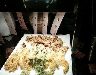 タラノ芽、赤魚、南瓜、舞茸の天ぷら