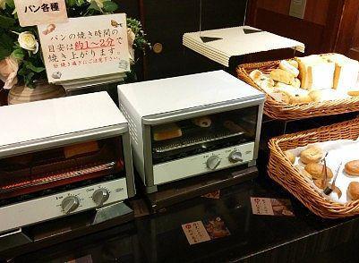 ロールパンや食パンなど