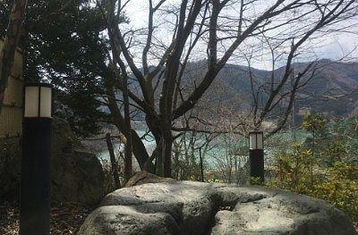 露天風呂から見えた草木湖の様子