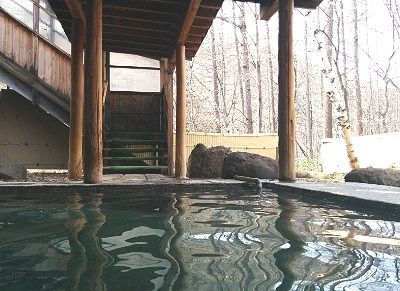 露天風呂から見た階段