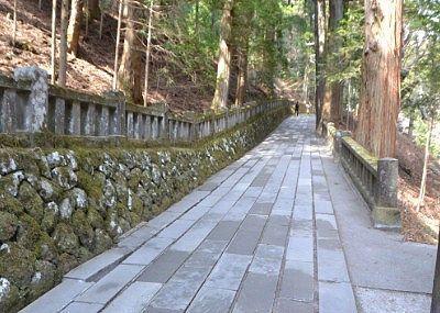 登坂の参道