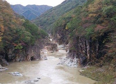 虹見橋から見た龍王峡の景色