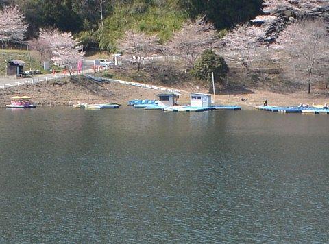 梅田湖ボート乗り場
