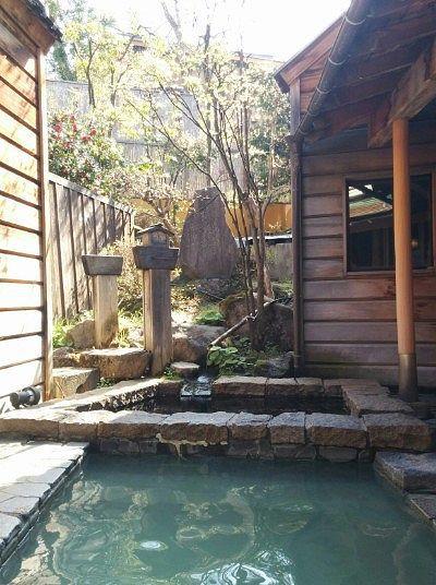 昼間の露天風呂の様子