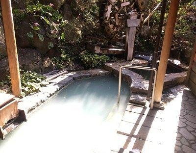 露天風呂と水風呂