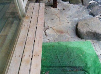 露天風呂横のベンチ