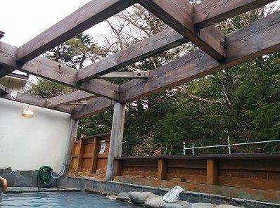 露天風呂に屋根がなかった様子