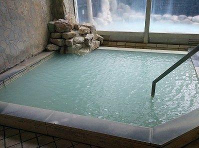 男体の湯の内湯の様子