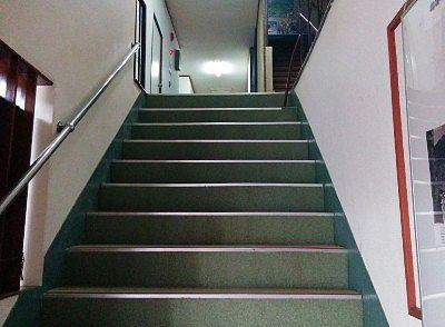 大浴場に向かう階段