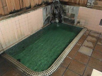 滝の湯の浴場の様子