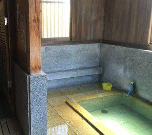 上寺湯の温泉の様子