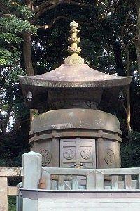 久能山東照宮にある徳川家康公の墓