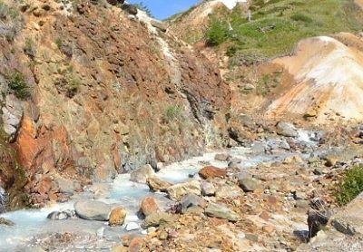 空吹横の岩と川の様子