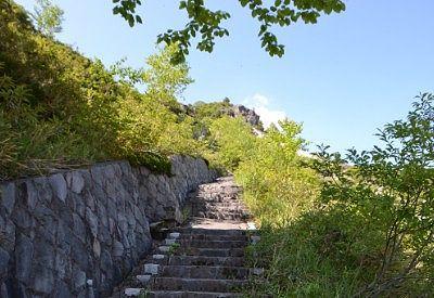 熊四郎洞窟から上の遊歩道の様子