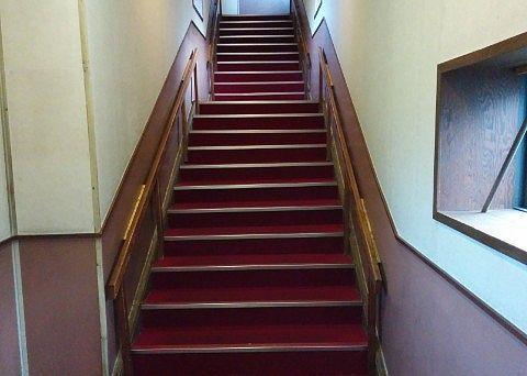ゆけむり館の階段