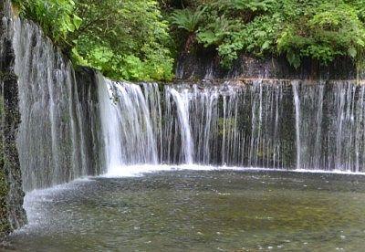白糸の滝の様子