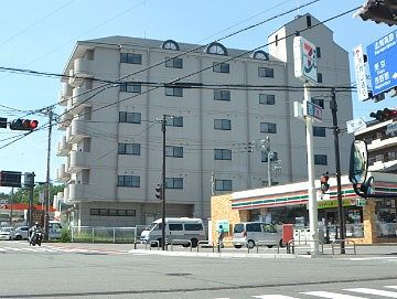 ホテル櫻井前のセブンイレブン