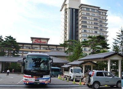 ホテル櫻井前の高速バス