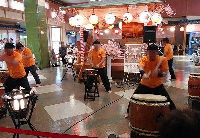櫻太鼓ショーの様子