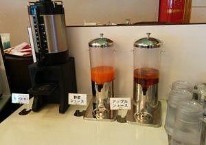 コーヒー、野菜ジュース、アップルジュース