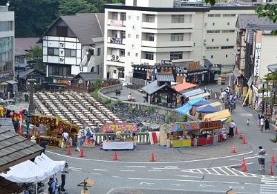 根神社夏まつり(白根神社祭礼)の時の湯畑