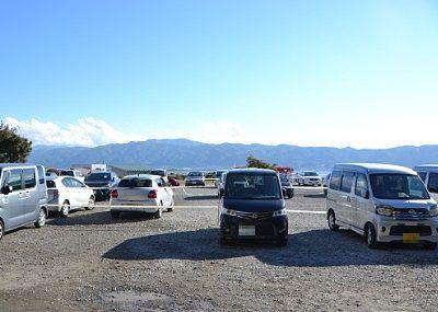 秋宮の無料駐車場の様子