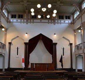 群馬大学工学部同窓記念会館(旧桐生高等染織学校本館・講堂)の様子