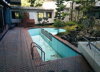 中庭にあったプール