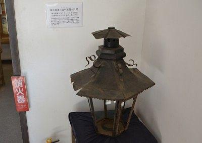 碓井峠道の山中茶屋の外灯