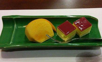 柿とプチケーキのデザート
