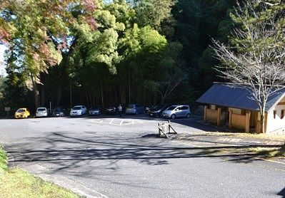 金鑚神社駐車場