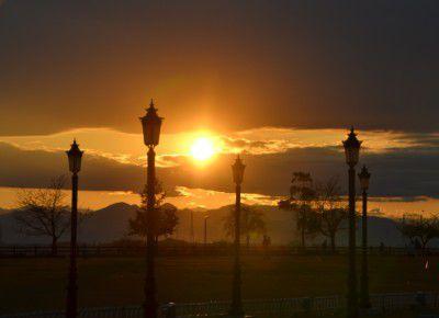 イルミネーション点灯前の夕日