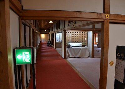 長い廊下の様子
