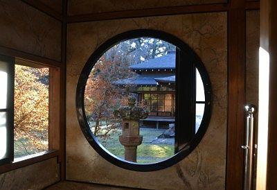 絵画のような風景の窓