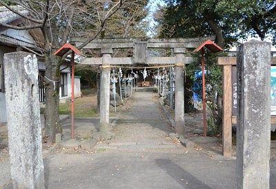 磯部赤城神社の境内